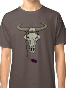 Skull likes music too Classic T-Shirt
