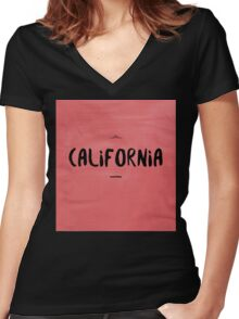 CALIFORNIA black on red Women's Fitted V-Neck T-Shirt