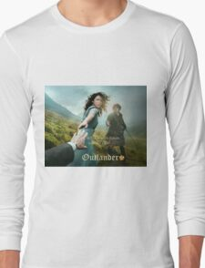 Outlander poster/Jamie & Claire Long Sleeve T-Shirt