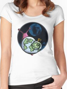 Alien Snail Women's Fitted Scoop T-Shirt