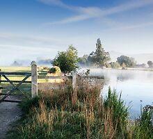 Thames Path at Mapledurham by Jim Hellier
