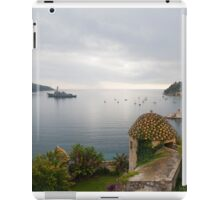 The Arleigh Burke-class guided-missile destroyer USS Truxtun (DDG 103) in Villefranche, France, US Navy, iPad Case/Skin