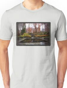 Winterthur Estate with Reflecting Pool T-Shirt