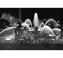 Sweethearts at the J.C. Nichols Fountain, Kansas City Photographic Print