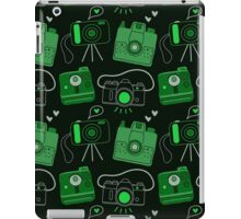 Green & Black Shutter Bug Retro Cameras iPad Case/Skin