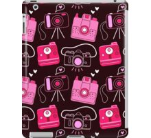 Red & Pink Shutter Bug Retro Cameras iPad Case/Skin