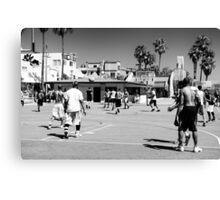 Between Play - Venice Beach - California - USA Canvas Print
