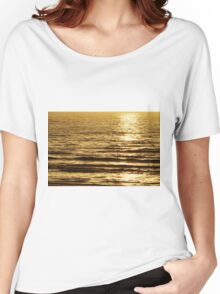 Low sun on the water Women's Relaxed Fit T-Shirt