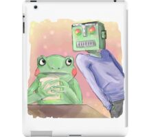 Robot flirting with frog whos eating a sandwich  iPad Case/Skin