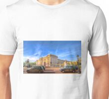 Buckingham Palace And London Taxis Unisex T-Shirt