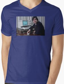 Steve Jobs and the Lisa Mens V-Neck T-Shirt