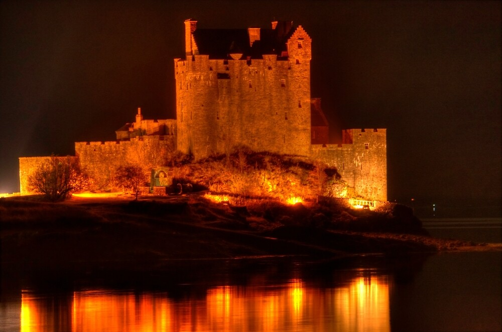 Eilean Donan Castle at night by Stephen Frost