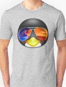 PENGUIN EMOJI WEARING SUNGLASSES T-Shirt