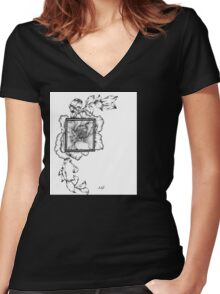 Wild flora framed 2.0 Women's Fitted V-Neck T-Shirt