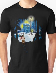 The Lion, The Doctor, and the Tardis (on Dark) T-Shirt