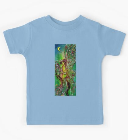 GREEN FAIRY WITH GOLD SILVER SPARKLES IN MOONLIGHT Kids Tee