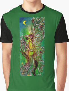 GREEN FAIRY WITH GOLD SILVER SPARKLES IN MOONLIGHT Graphic T-Shirt