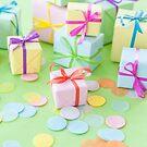 Viele bunte Geschenke zum Geburtstag by Barbara Neveu