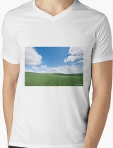 Rolling Wheatfields in the Palouse Mens V-Neck T-Shirt