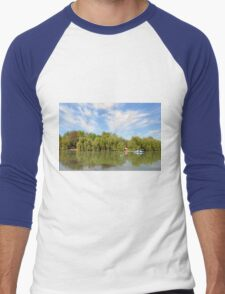 Park scenery with dramatic sky and trees by the river. Men's Baseball ¾ T-Shirt