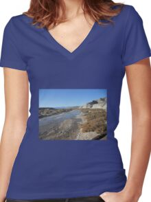 Death Valley Women's Fitted V-Neck T-Shirt