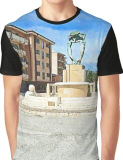 L'Aquila: buildings and fountain Graphic T-Shirt