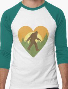 Bigfoot Heart Men's Baseball ¾ T-Shirt