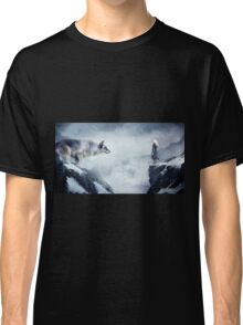 The wolf and the moon Classic T-Shirt
