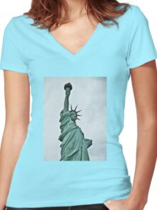 The Statue of Liberty Enlightening the World Women's Fitted V-Neck T-Shirt