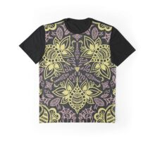 bEE-PINK Graphic T-Shirt