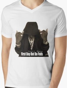 Gucci Mane Is Back With 'First Day Out Da Feds' Mens V-Neck T-Shirt