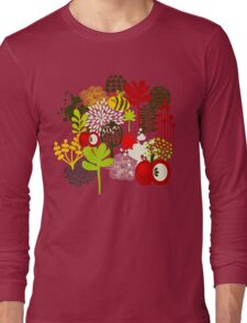 Bee and apple Long Sleeve T-Shirt