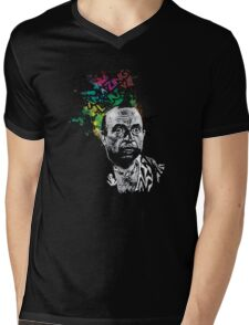 Amazing Larry Mens V-Neck T-Shirt