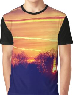 Chasing the Sun Graphic T-Shirt