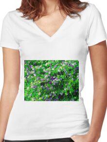Blagreen Women's Fitted V-Neck T-Shirt