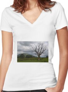 Dead tree Women's Fitted V-Neck T-Shirt