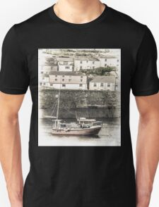 Fishing Boat in Harbour - Cornwall Unisex T-Shirt
