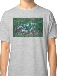 Vintage Bikes Carrying Summer Flowers Classic T-Shirt