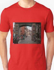 Thamel Gateway Arch Unisex T-Shirt
