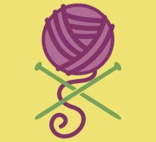 DANGEROUS knitter! Knitting wool ball and Needles crossbones in purple Baby Tee