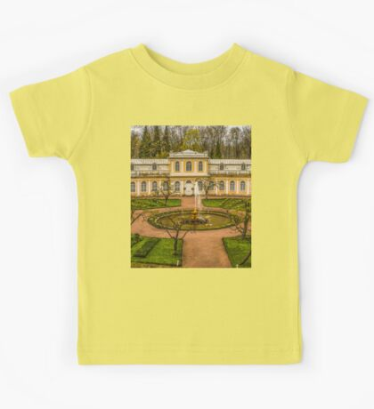 Gardens of Peterhof, Russia Kids Tee