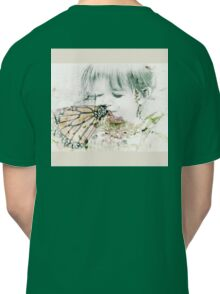 Butterfly Kisses- Beige Border Classic T-Shirt