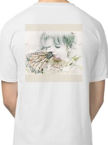 Butterfly Kisses- Beige Border Classic T-Shirt