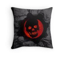 Gears of War Omen [4K] Throw Pillow