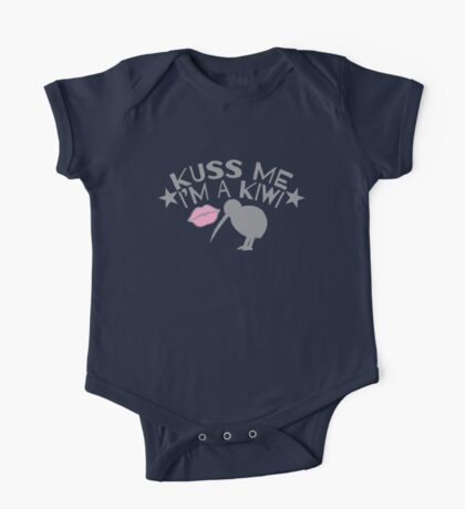 Kuss (kiss) me in a New Zealand accent I'm a KIWI One Piece - Short Sleeve