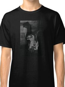 On the hunt Classic T-Shirt