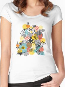 The bee Women's Fitted Scoop T-Shirt