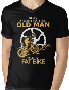 Never Underestimate An Old Man With A Fat Bike Mens V-Neck T-Shirt