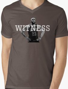 WITNESS. LeBron James Mens V-Neck T-Shirt