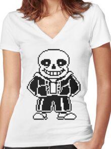 Sans Women's Fitted V-Neck T-Shirt